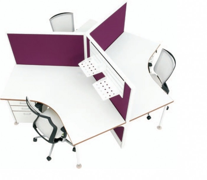 Cubit 50 - Three Person 120° Workstations